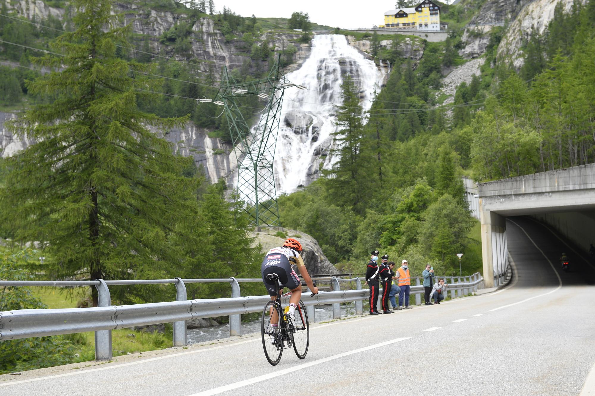Fourth stage of Giro d'Italia Donne 2021: Formazza Fondovalle – Formazza Riale, Cascata del Toce