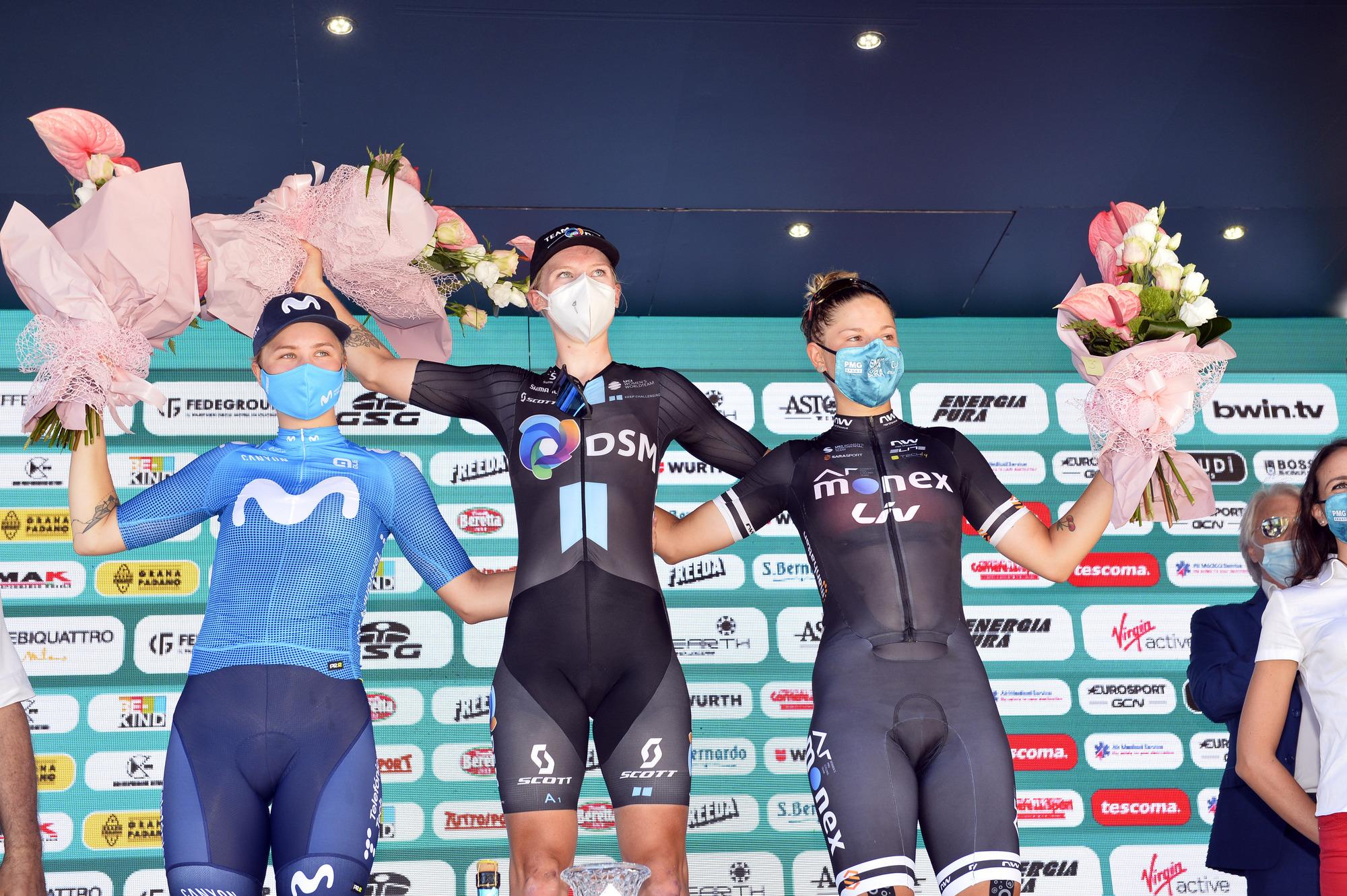 Lorena Wiebes sprinta e vince a Mortegliano, terza l'italiana Sperotto, van der Breggen ancora in Rosa