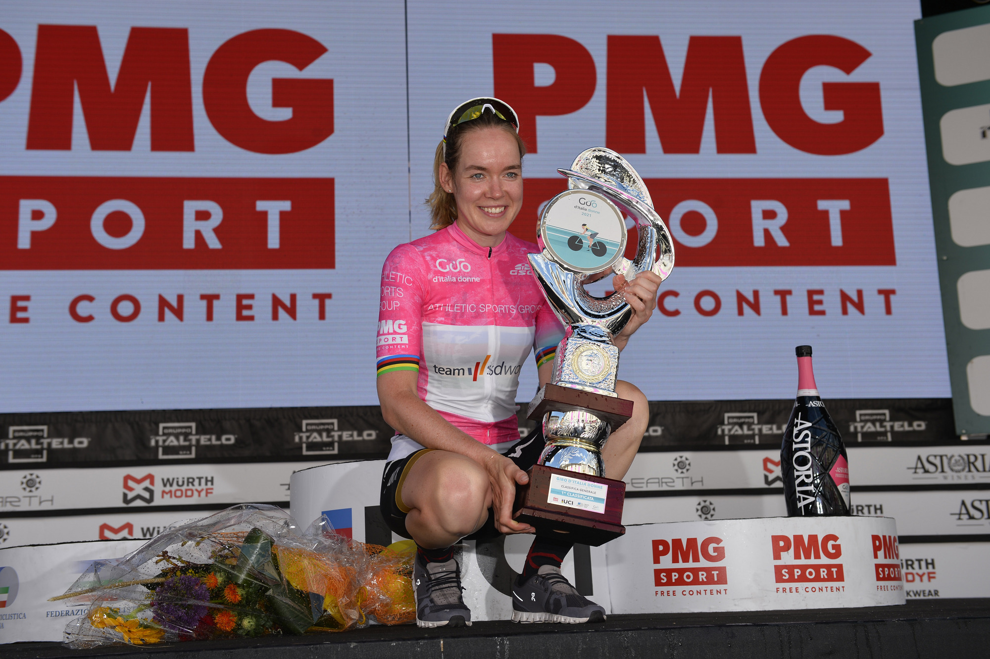 https://www.giroditaliadonne.it/2021/07/11/the-32nd-edition-of-the-giro-ditalia-donne-has-come-to-an-end-with-the-assignment-of-the-2021-maglia-rosa-to-anna-van-der-breggen/