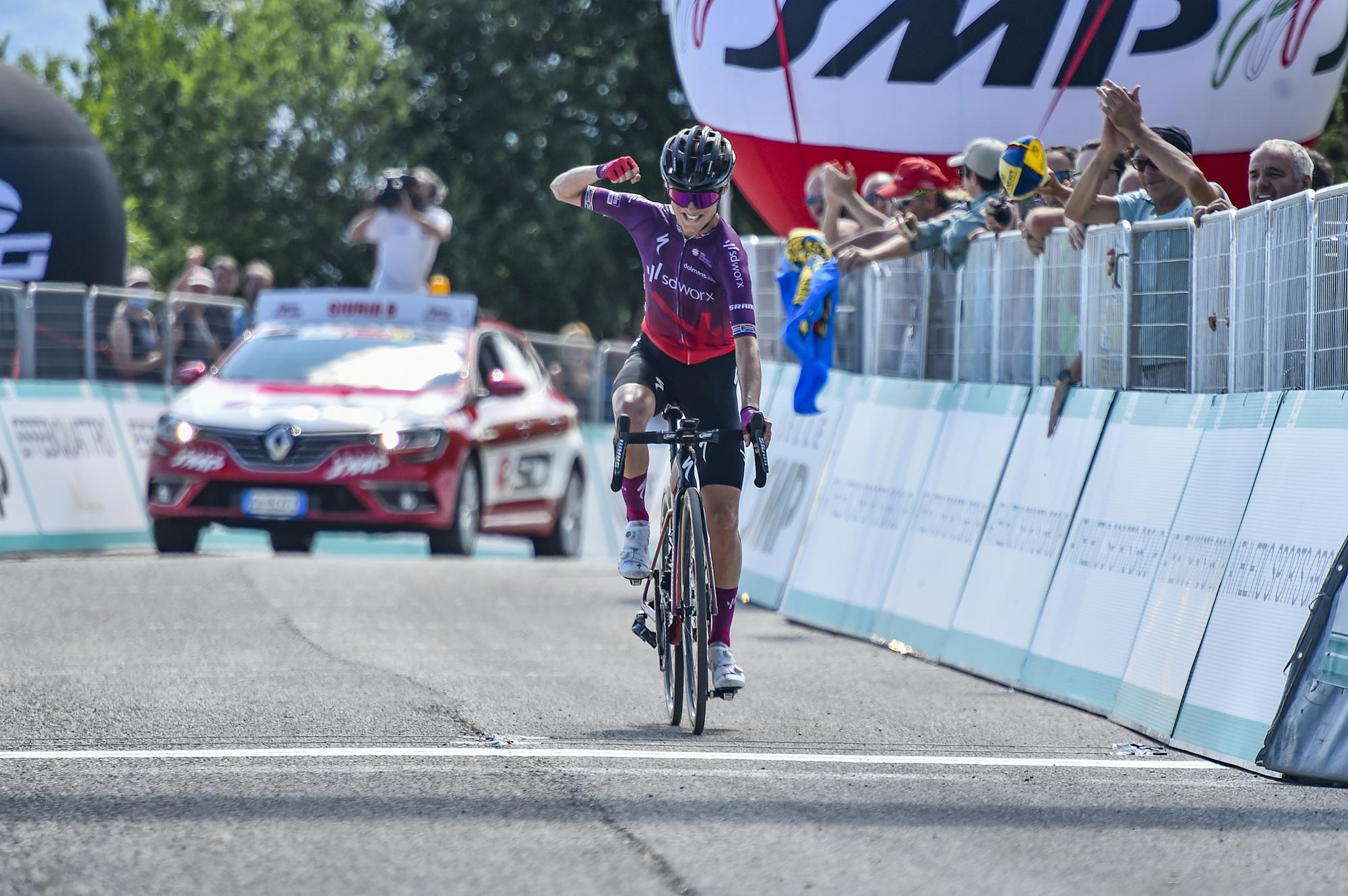 https://www.giroditaliadonne.it/2021/07/11/the-queen-stage-victory-on-the-matajur-goes-to-ashleigh-moolman-pasio-anna-van-der-breggen-still-in-pink/